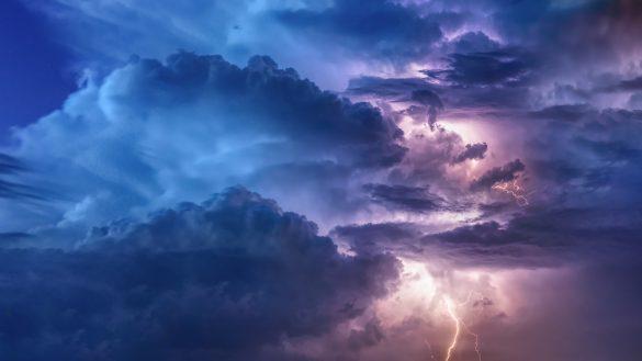 hình ảnh mây tĩnh điện