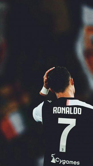 Hình Ronaldo đẹp trầm tĩnh 2019-2020