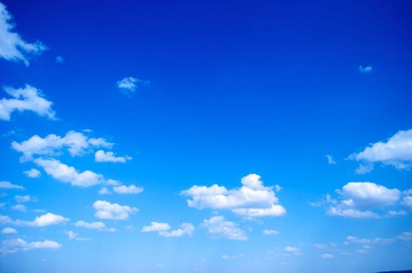 ảnh bầu trời xanh làm background Powerpoint