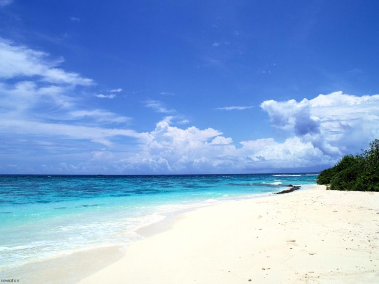 bầu trời xanh trên biển
