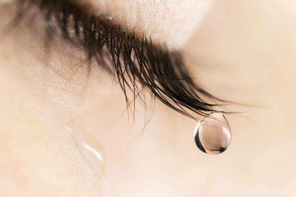 hình ảnh nước mắt