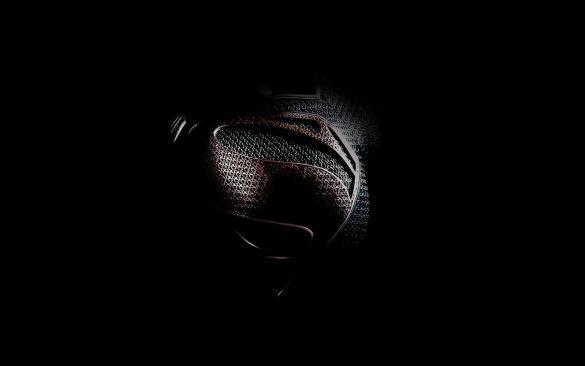 Hình nền đen chụp ngực của chiến sĩ biệt đội anh hùng
