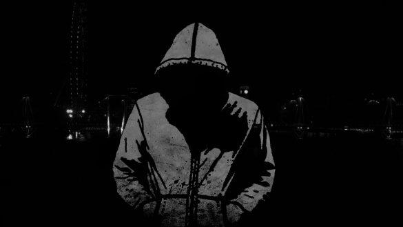 Hình nền một mình trong đêm đen