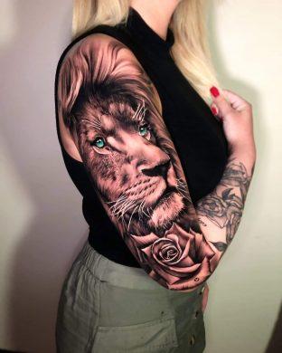 hình xăm sư tử chăm chú và mạnh mẽ như thần hộ mệnh cho nữ