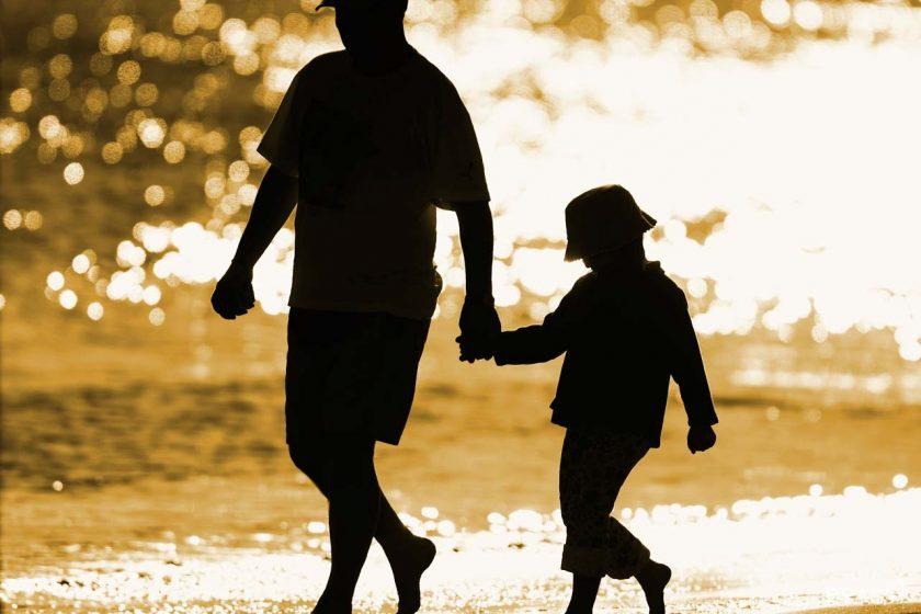 anh cha va con Hình ảnh về cha và con tình cảm xúc động nhất