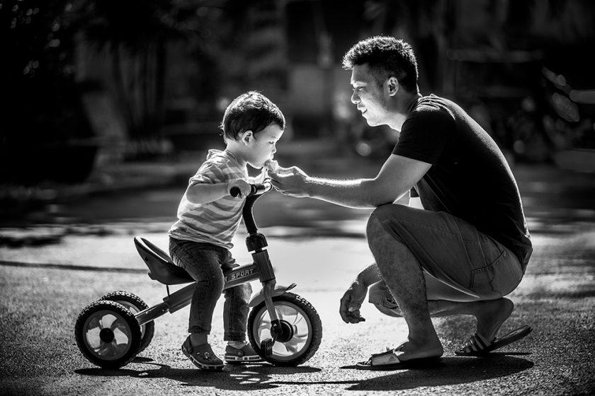hinh anh cha va con Hình ảnh về cha và con tình cảm xúc động nhất