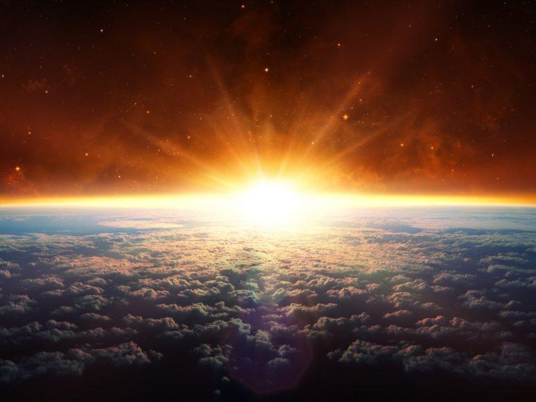 hình ảnh Mặt Trời chiếu sáng Trái Đất