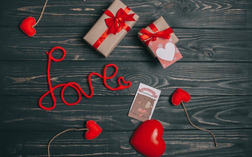 ảnh nền món quà tình yêu lãng mạn ngọt ngào