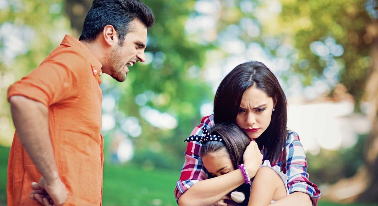 hình ảnh buồn về vợ chồng không hạnh phúc