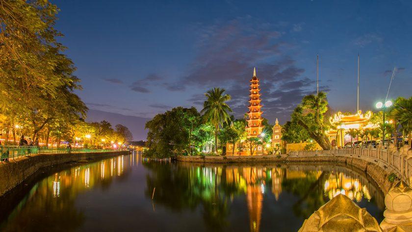hình ảnh chùa trấn quốc hà nội