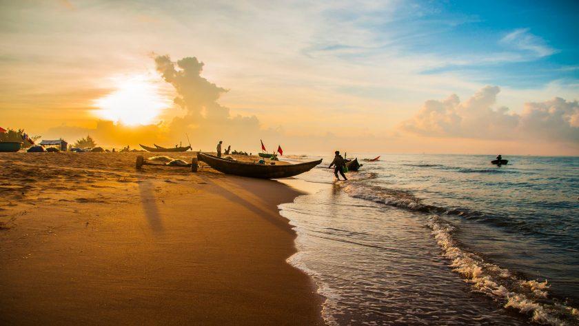 hình ảnh người dân chài ven biển