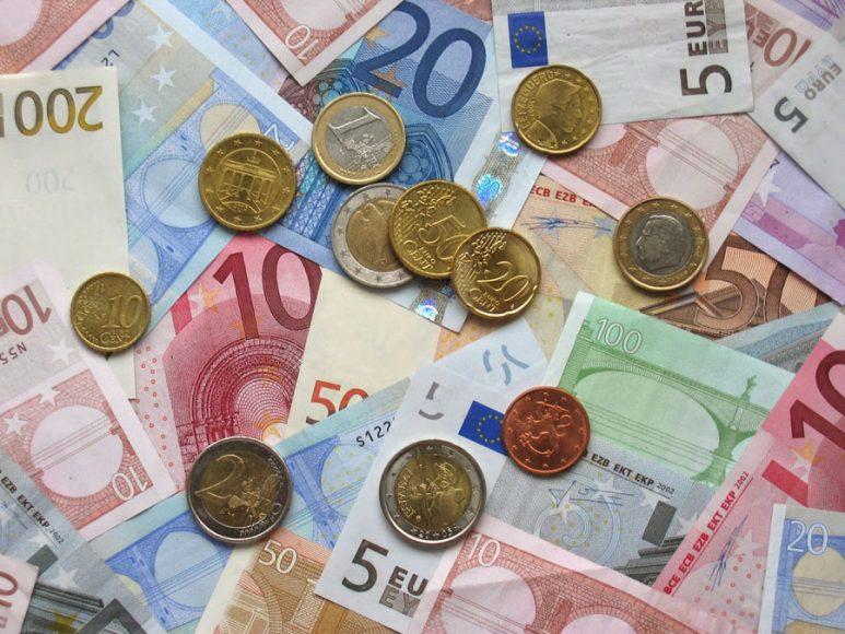 hinh anh tien Euro