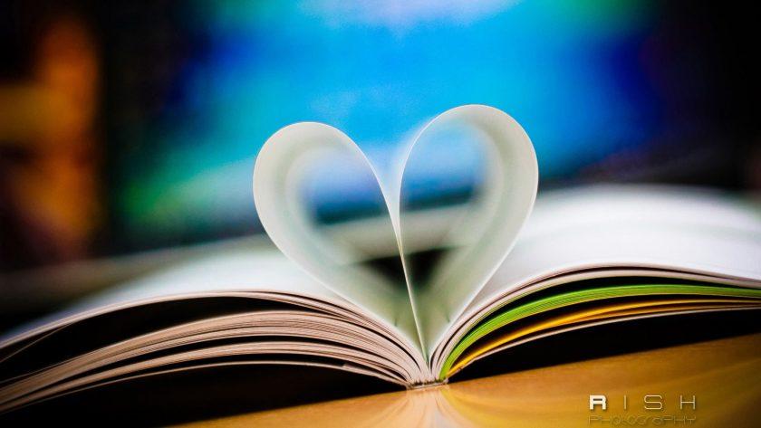 hình nền sách trái tim tình yêu Full HD