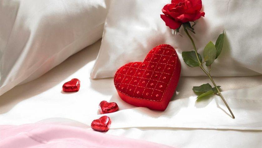 hình nền tình yêu lãng mạn về hoa hồng và trái tim