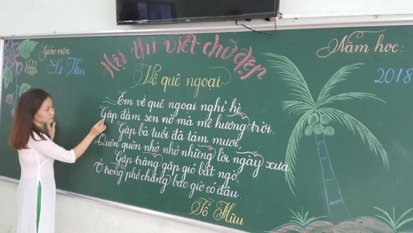 mẫu chữ cái viết hoa của thầy cô giáo