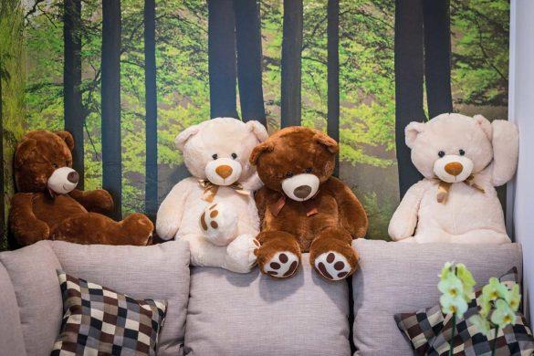 những chú gấu bông trang trí phòng thật đẹp