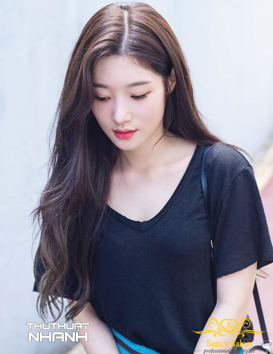 tóc dài uốn xoăn đuôi