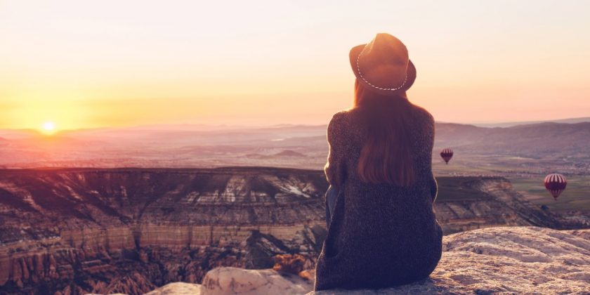 Ảnh cô đơn một mình về tình yêu, cuộc sống