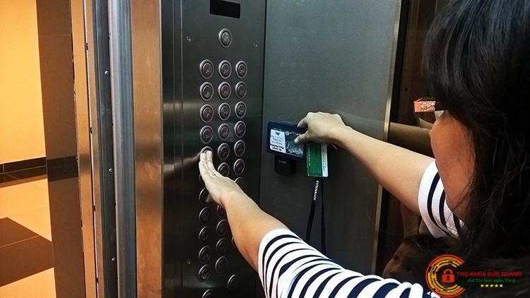 Sao chép thẻ từ thang máy giá cực rẻ giao hàng tận nơi toàn quốc