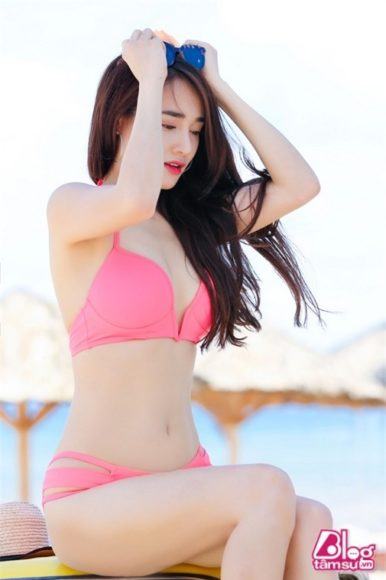 anh-gai-xinh-bikini-phe-chay-mau-mui-5