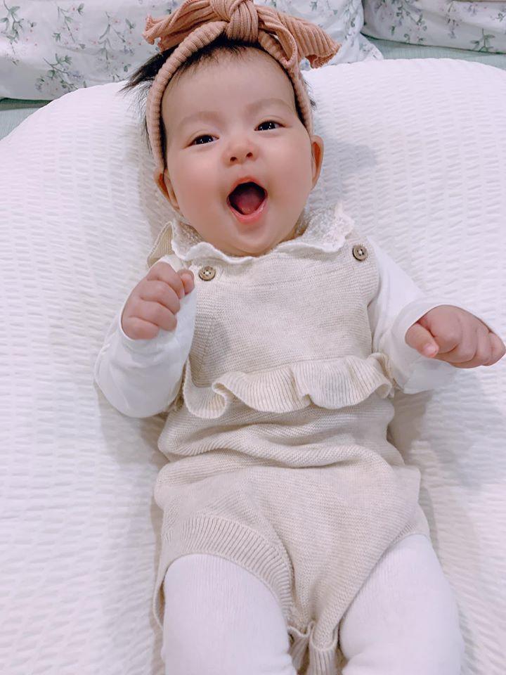 hình baby siêu cute