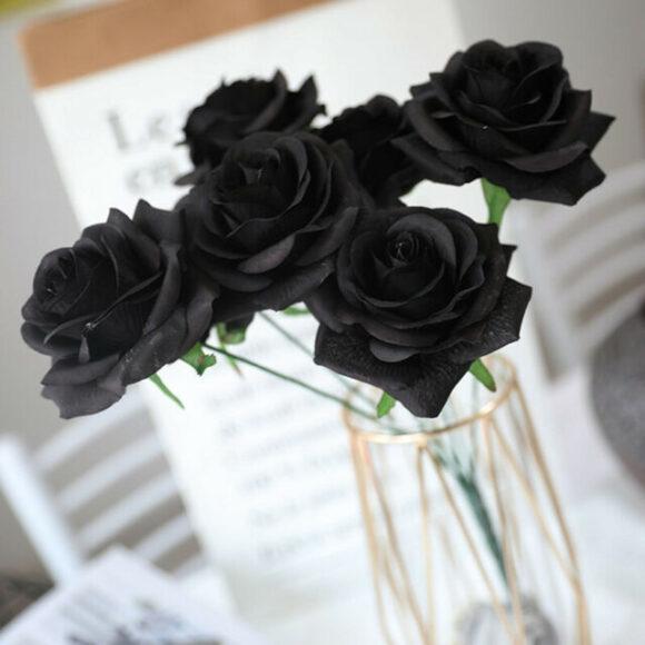 Hình ảnh lọ hoa hồng đen