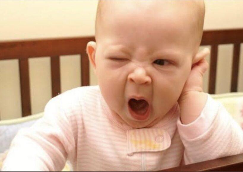 hình ảnh buồn ngủ hài hước nhất của em bé