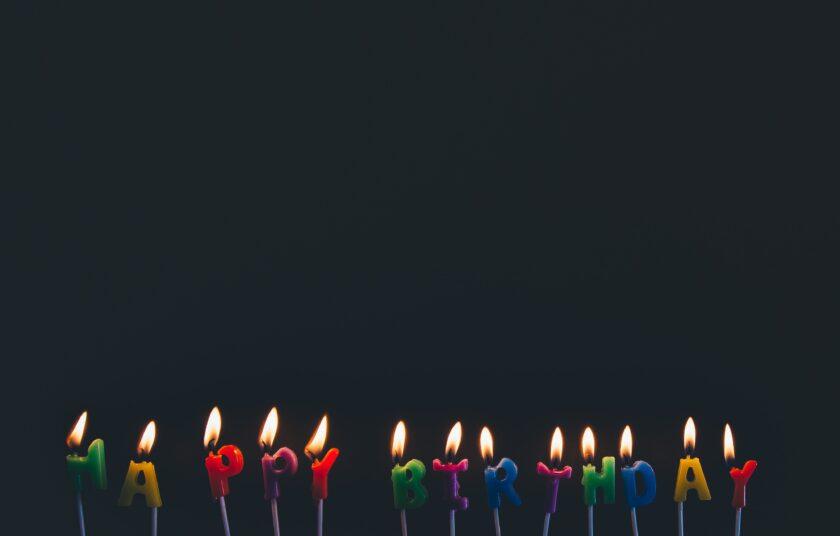 hình ảnh chúc mừng sinh nhật bằng những ngọn nến lung linh