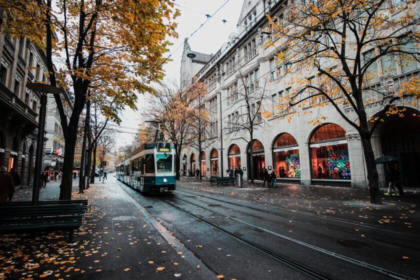 hình ảnh mùa thu và con đường