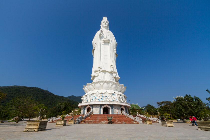 Hình ảnh Phật Quan Âm ở chùa Linh Ẩn
