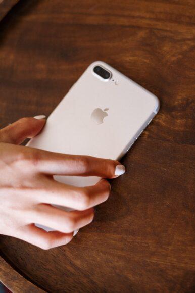 hình ảnh quả táo iPhone đẹp