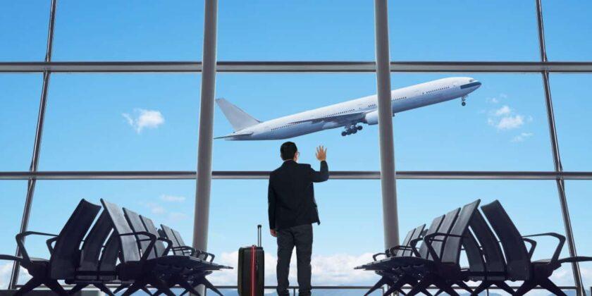 Hình ảnh tạm biệt ở sân bay