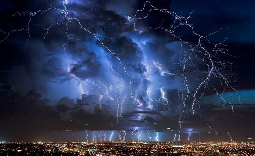 Hình bão sét siêu đẹp trên bầu trời