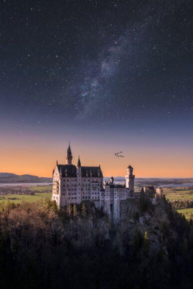hình nền ipad phong cảnh lâu đài trên núi