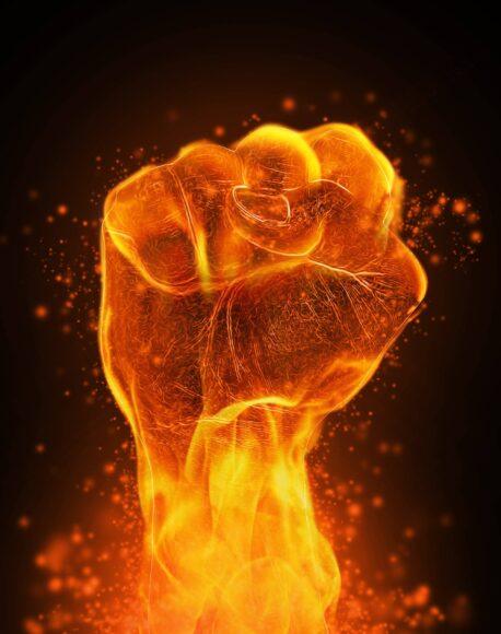 hình nền lửa về bàn tay