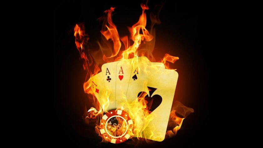 hình nền lửa về những lá bài