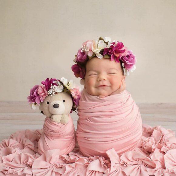 hình ảnh em bé sơ sinh dễ thương cười toe toét