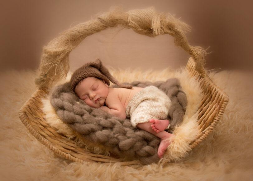 hình ảnh em bé sơ sinh dễ thương cute xỉu