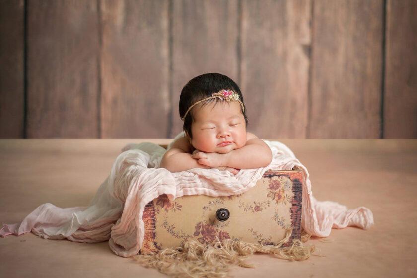 hình ảnh em bé sơ sinh dễ thương đáng iu