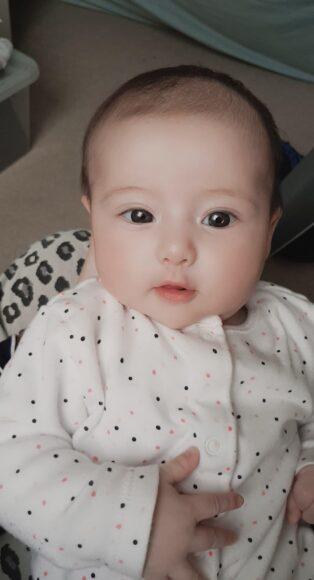 hình ảnh em bé sơ sinh dễ thương đẹp nét