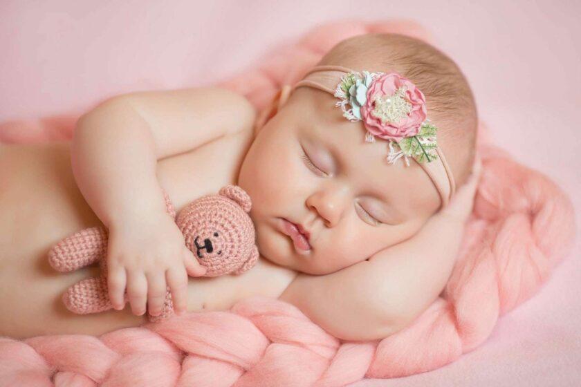 hình ảnh em be sơ sinh dễ thương ngủ ngon