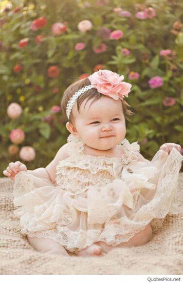 hình ảnh em bé sơ sinh dễ thương nhất