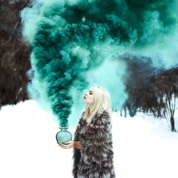 Hình ảnh khói màu xanh lá