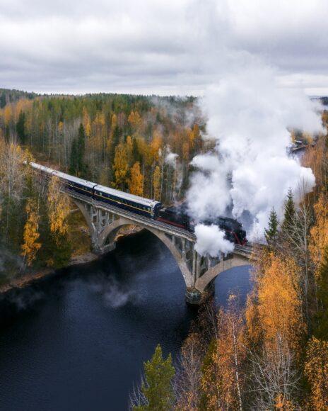 Hình ảnh khói trắng từ tàu hỏa