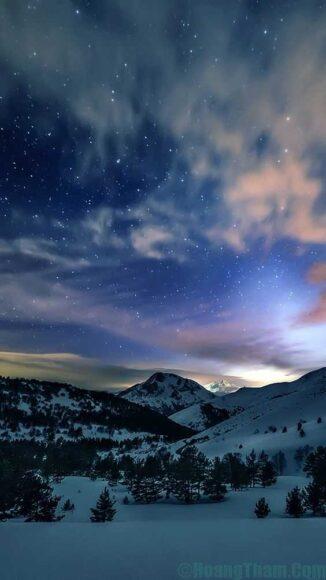 Hình ảnh mây mỏng trên nền trời đầy sao
