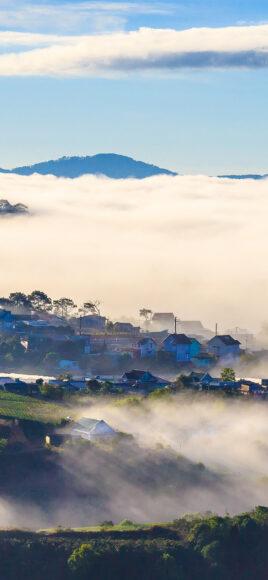 Hình ảnh mây như biển ở ngôi làng trên cao
