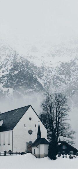 Hình ảnh mùa đông lạnh bên nhà nguyện