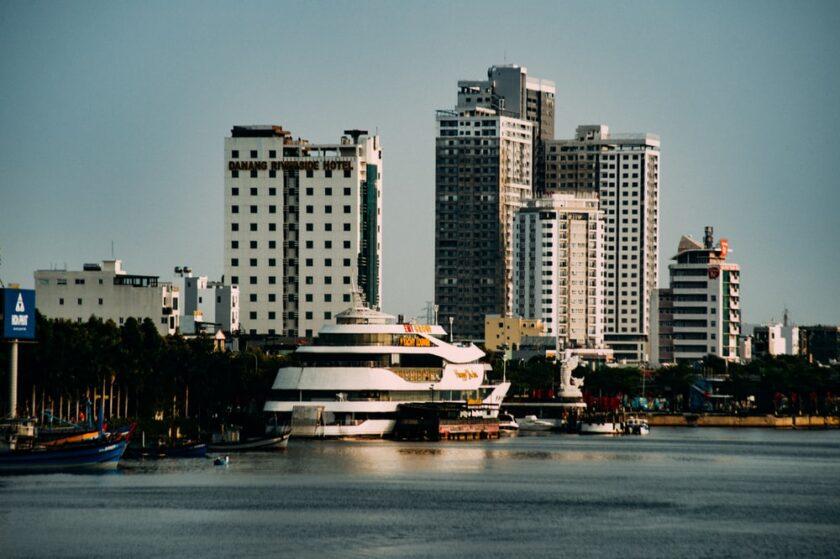 ảnh chụp những khách sạn sang torng5 bên bờ biển tại Đà Nẵng