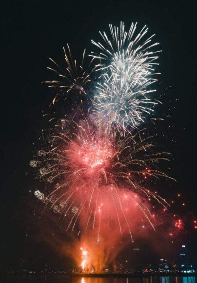 ảnh chụp tại lễ hội pháo hoa tổ chức tại Đà Nẵng