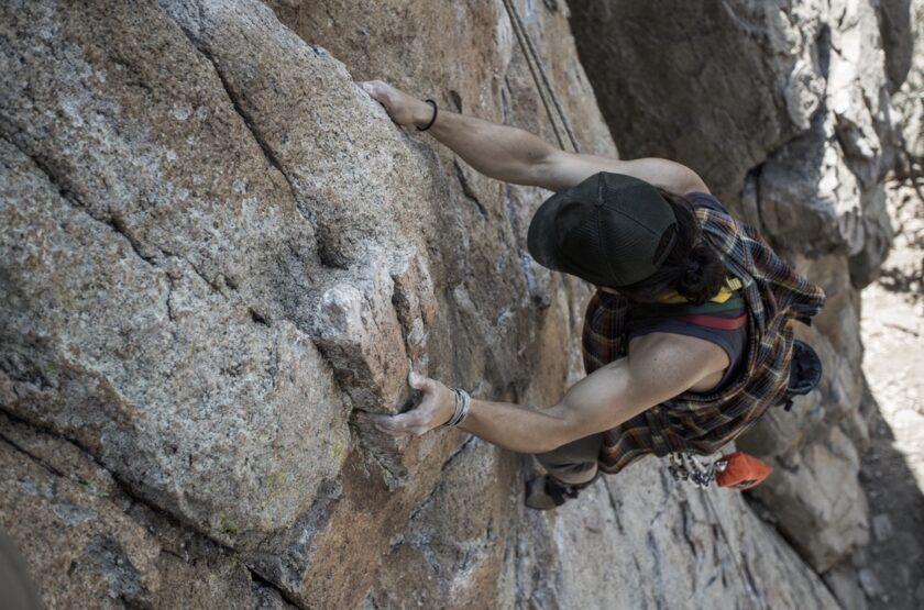 ảnh người leo núi tạo động lực không từ bỏ dù có khó khăn
